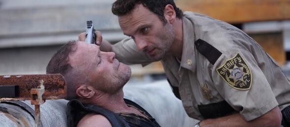 In Folge 2 von The Walking Dead sind Rick und Co. Gefangene der Toten.
