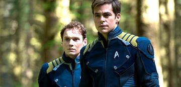 Anton Yelchin und Chris Pine in Star Trek Beyond