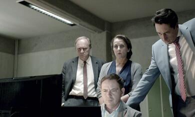 Tatort: Es lebe der Tod mit Ulrich Tukur und Barbara Philipp - Bild 1