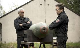 Tatort: Bombengeschäft mit Ralph Herforth und Adrian Topol - Bild 3