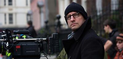 Mosaic-Regisseur Steven Soderbergh bei Dreharbeiten