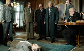 The Death of Stalin mit Steve Buscemi, Jeffrey Tambor, Simon Russell Beale und Adrian McLoughlin - Bild 7