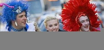Bild zu:  Hasty Pudding Parade 2007 mit Scarlett Johannson