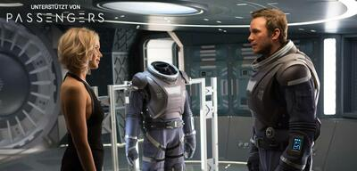 Jennifer Lawrence und Chris Pratt in Passengers
