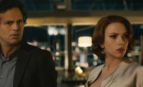 Marvel's The Avengers 2: Age of Ultron mit Scarlett Johansson und Mark Ruffalo - Bild 3