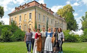 Die Galoschen des Glücks mit Annette Frier, Inka Friedrich, Friederike Jehn, Jonas Lauenstein und Luise von Finckh - Bild 14