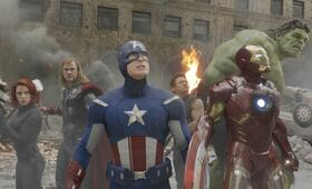 Marvel's The Avengers mit Robert Downey Jr., Scarlett Johansson, Jeremy Renner, Mark Ruffalo, Chris Hemsworth und Chris Evans - Bild 92
