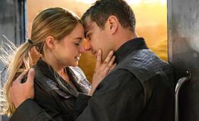 Die Bestimmung - Divergent mit Shailene Woodley und Theo James - Bild 8