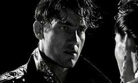 Clive Owen in Sin City - Bild 102