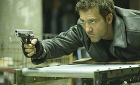 Clive Owen in Shoot 'Em Up - Bild 99