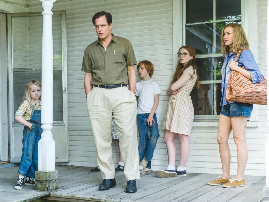 Schloss aus Glas mit Woody Harrelson, Naomi Watts, Sadie Sink, Charlie Shotwell und Eden Grace Redfield