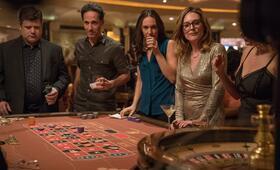 Gloria mit Julianne Moore und Sean Astin - Bild 2