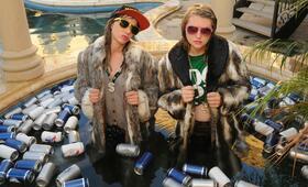 Idiotsitter, Idiotsitter Staffel 1 mit Jillian Bell und Charlotte Newhouse - Bild 27