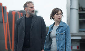 The Leftovers Staffel 3 mit Christopher Eccleston und Carrie Coon - Bild 14