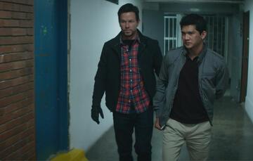 Mark Wahlberg und Iko Uwais in Mile 22