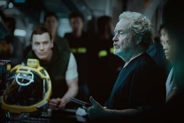 Ridley Scott und Michael Fassbender am Set von Alien: Covenant
