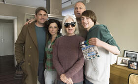 Einmal Sohn, immer Sohn mit Sebastian Bezzel, Christiane Hörbiger, Julia Brendler, Thomas Jauch und Michelangelo Fortuzzi - Bild 71