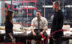 The Accountant mit Ben Affleck, Anna Kendrick und Gavin O'Connor - Bild 42