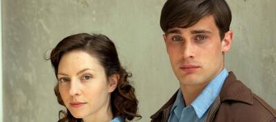 Katharina Schüttler und Christian Cooke in der Mini-Serie Gelobtes Land
