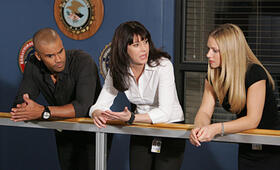 Criminal Minds Staffel 3 mit Shemar Moore und Paget Brewster - Bild 31