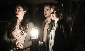 Devil's Gate mit Shawn Ashmore, Bridget Regan und Amanda Schull - Bild 4