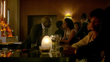 Mike Colter und Simone Missick in Marvel's Luke Cage