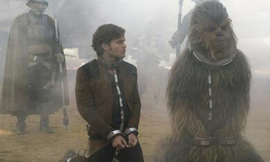 Solo: A Star Wars Story mit Woody Harrelson, Alden Ehrenreich und Joonas Suotamo - Bild 9