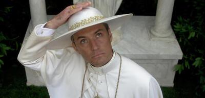 Der junge Papst mitJude Law