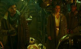 Star Wars 9: Der Aufstieg Skywalkers mit Oscar Isaac, Daisy Ridley, John Boyega und Anthony Daniels - Bild 3