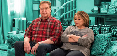 Roseanne Barr und John Goodman in Roseanne