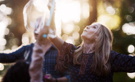 Here and Now, Here and Now - Staffel 1 mit Holly Hunter - Bild 7