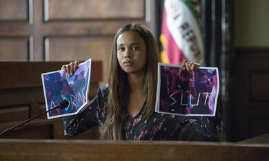 Tote Mädchen lügen nicht, Tote Mädchen lügen nicht - Staffel 2 mit Alisha Boe - Bild 4