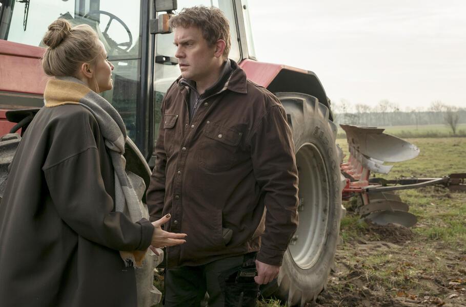 Echte Bauern singen besser mit Sebastian Bezzel und Susanne Bormann