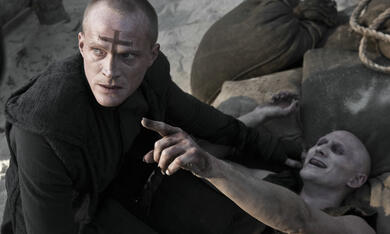 Priest mit Paul Bettany - Bild 1