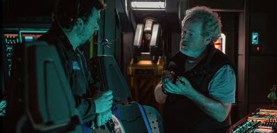 Ridley Scott (rechts) am Set von Alien: Covenant