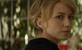 Izzy Gets the F*ck Across Town mit Carrie Coon - Bild 5