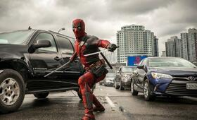 Deadpool mit Ryan Reynolds - Bild 25
