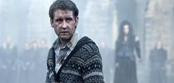 Matthew Lewis als Neville