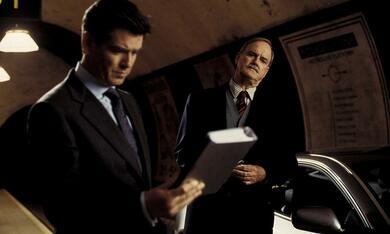 James Bond 007 - Stirb an einem anderen Tag mit Pierce Brosnan und John Cleese - Bild 2
