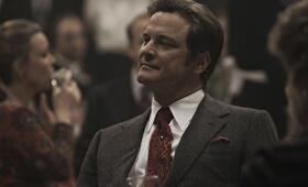 Gibt sich selbstsicher: Bill Haydon (Colin Firth) - Bild 25