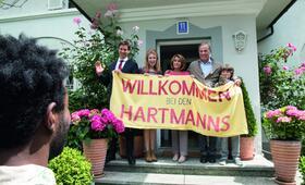 Willkommen bei den Hartmanns mit Florian David Fitz, Palina Rojinski, Heiner Lauterbach, Senta Berger, Marinus Hohmann und Eric Kabongo - Bild 63