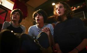 Stranger Things - Staffel 3 mit Millie Bobby Brown, Finn Wolfhard und Noah Schnapp - Bild 13