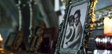Haus des Geldes: Bild von Tatiana & Berlin in Episode 1, Staffel 3