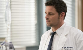 Grey's Anatomy - Staffel 15, Grey's Anatomy - Staffel 15 Episode 17 mit Justin Chambers - Bild 11