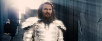 Liam Neeson als Zeus.