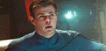 Chris Hemsworth als George Kirk in Star Trek