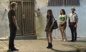 You're the Worst - Staffel 4 mit Aya Cash und Chris Geere - Bild 13