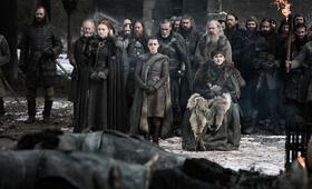 Game of Thrones - Staffel 8, Game of Thrones - Staffel 8 Episode 4 mit Maisie Williams, Sophie Turner, Liam Cunningham, Rory McCann und Isaac Hempstead-Wright - Bild 2