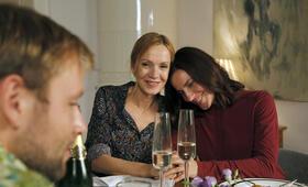 Die Freundin meiner Mutter mit Max Riemelt, Antje Traue und Katja Flint - Bild 5