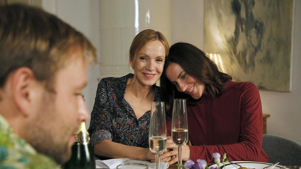 Die Freundin meiner Mutter mit Max Riemelt, Antje Traue und Katja Flint